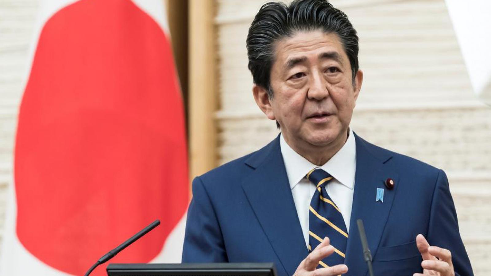 Thủ tướng Nhật Bản lo lắng dịch Covid-19 vẫn lây lan trong mùa hè