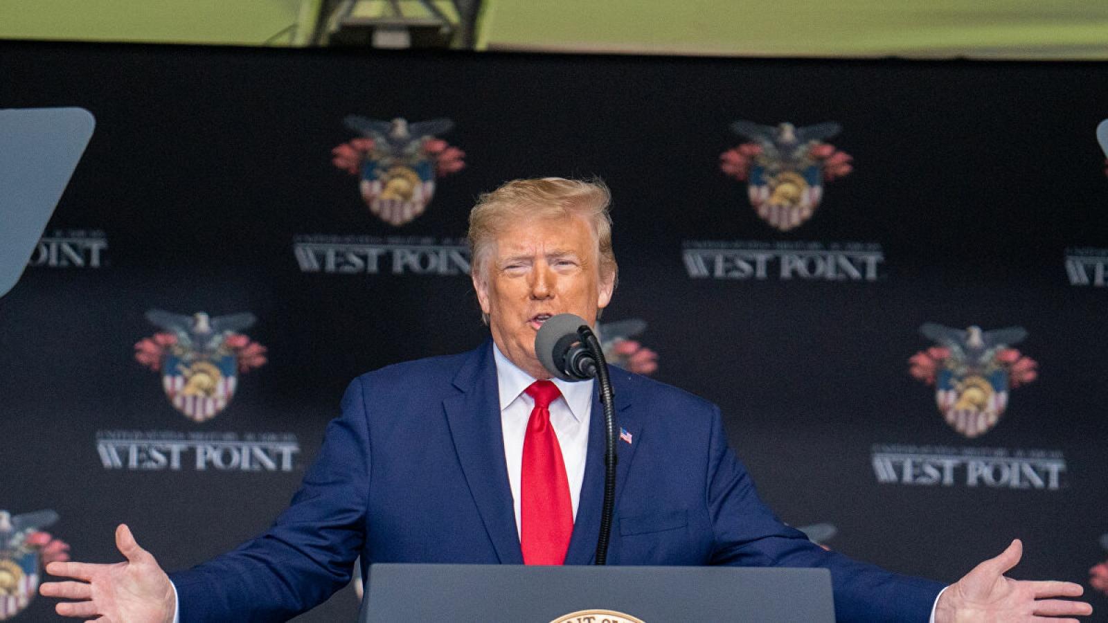 """Hashtag """"ông Trump không khỏe"""" gây sốt trên Twitter"""