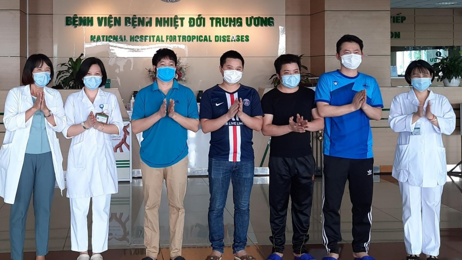 Thêm 3 ca khỏi bệnh, Việt Nam đã điều trị khỏi 305 bệnh nhân Covid-19