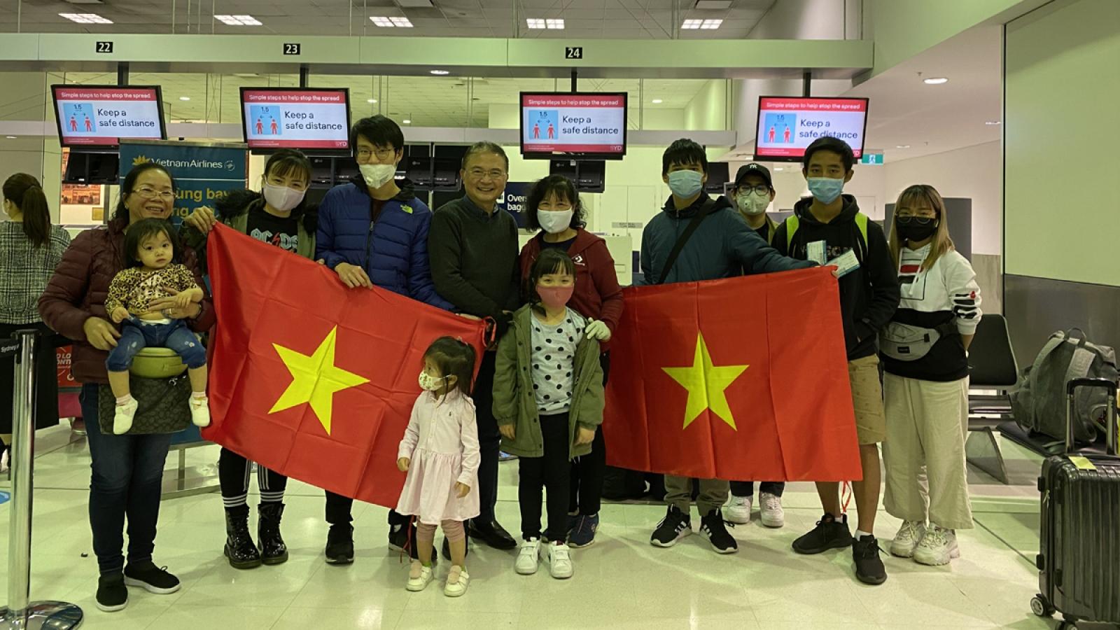 344 công dân Việt Nam từ Australia và New Zealand về nước an toàn