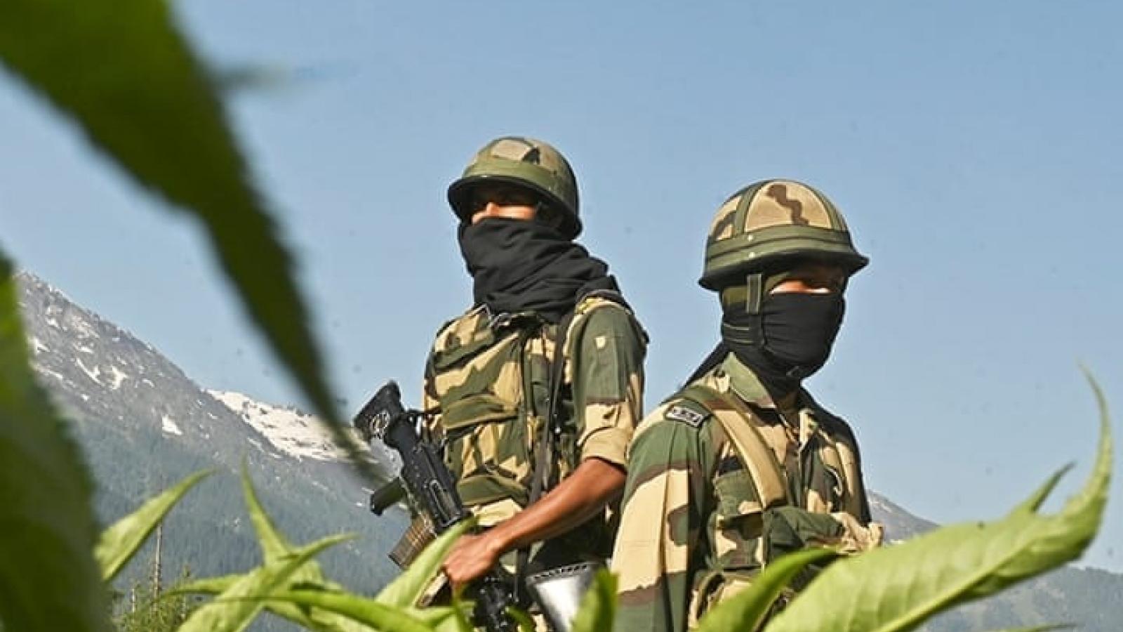Trung - Ấn điều quân đến biên giới, nguy cơ đụng độ vẫn còn