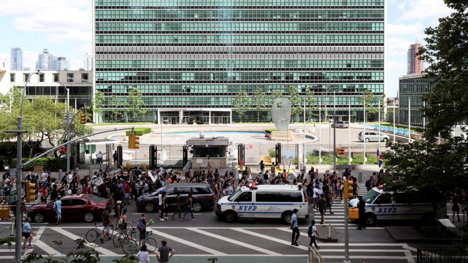 Các cuộc biểu tình rầm rộ tiếp diễn trong ngày cuối tuần ở Mỹ