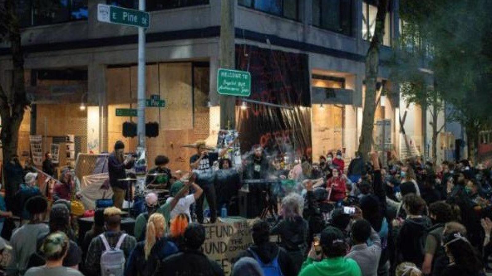 Người biểu tình chiếm khu phố ở Mỹ, lập 'khu tự trị đồi Capitol'