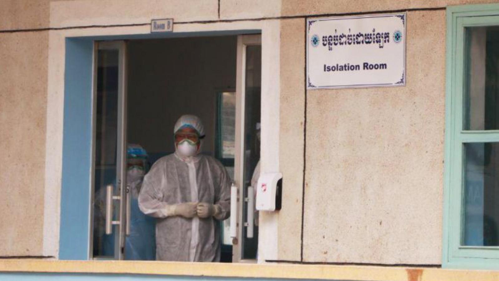 Thêm một ca Covid-19 từ nước ngoài về, Campuchia có 130 bệnh nhân