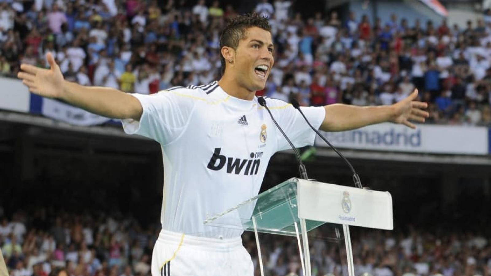 Ngày này năm xưa: Ronaldo đạt thỏa thuận rời MU sang Real Madrid