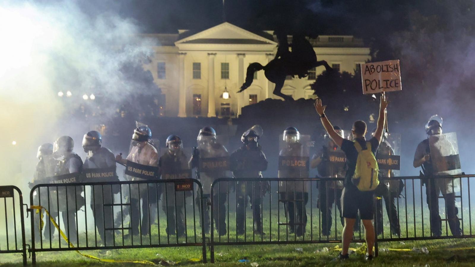 """Putin: Biểu tình George Floyd cho thấy """"khủng hoảng nội bộ sâu sắc"""" ở Mỹ"""
