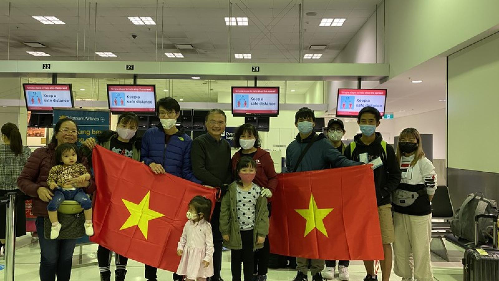 Hơn 300 công dân Việt Nam tại Australia sẽ về nước ngày 3/7