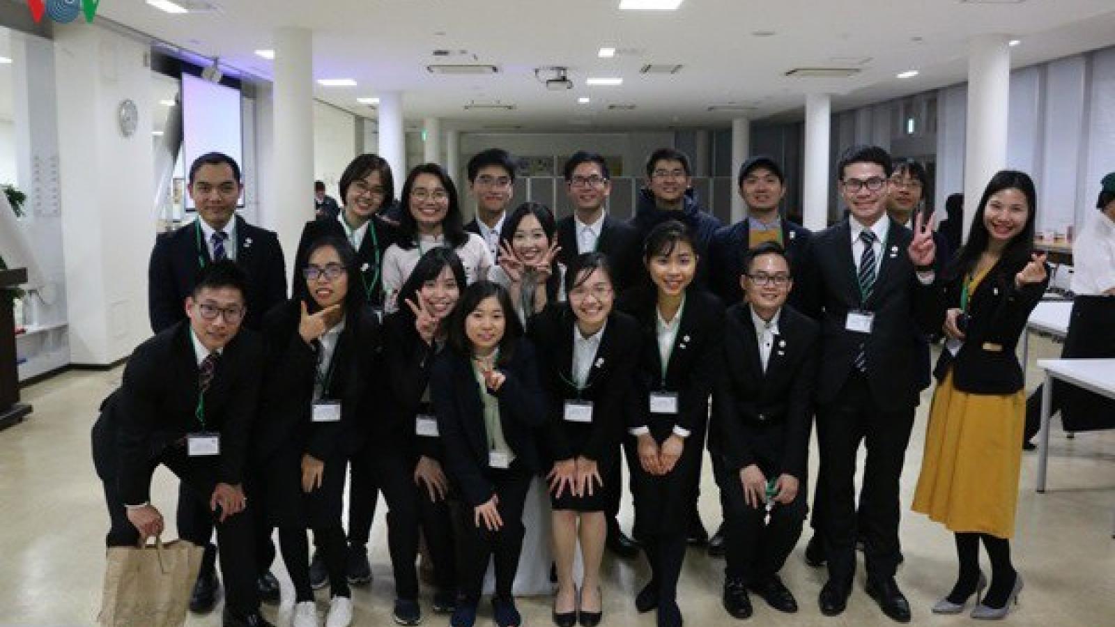 98% sinh viên Nhật Bản ra trường có việc làm