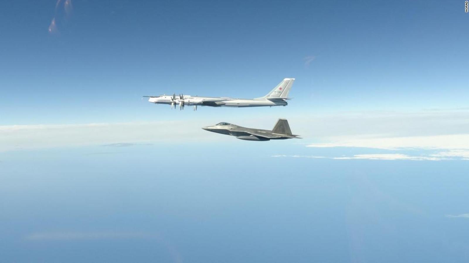 Tiêm kích Mỹ chặn 4 trinh sát cơ săn ngầm Tu-142 của Nga gần Alaska