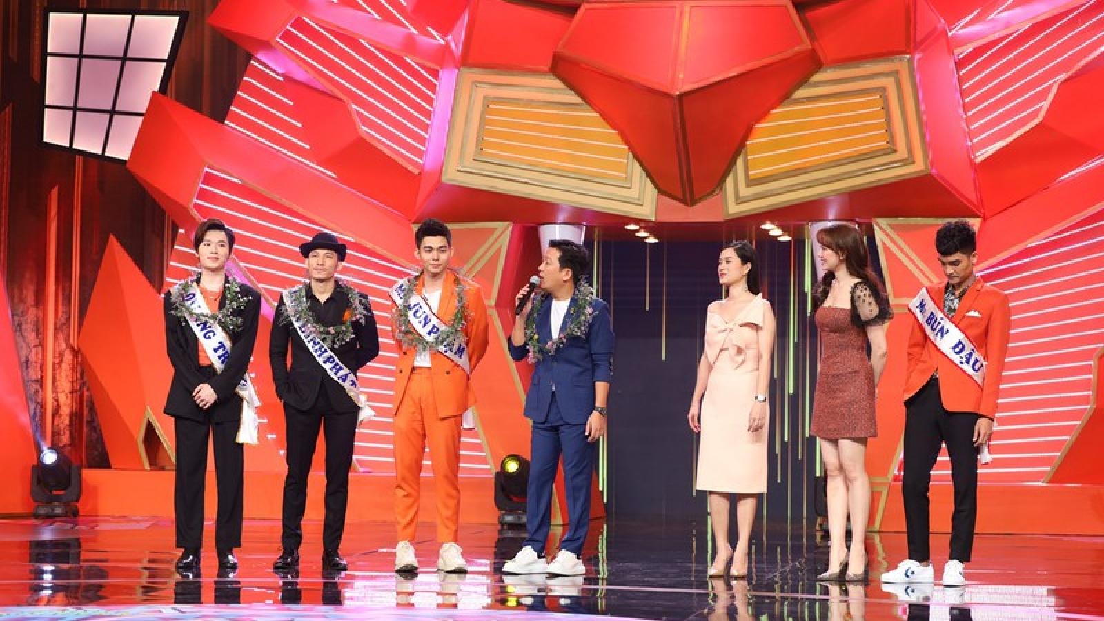 """Hari Won, Lâm Vỹ Dạ hú hét trước sự xuất hiện của dàn """"mỹ nam"""""""