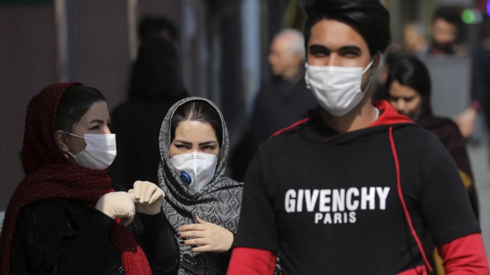 Iran sẽ quy định bắt buộc đeo khẩu trang ở nơi công cộng