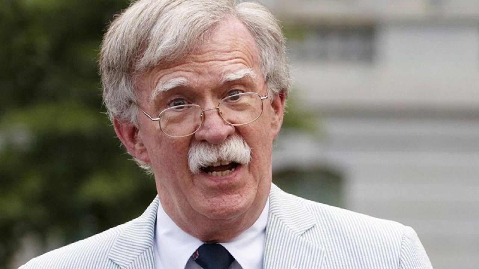 John Bolton phủ nhận việc sẽ bỏ phiếu cho Biden thay vì Trump