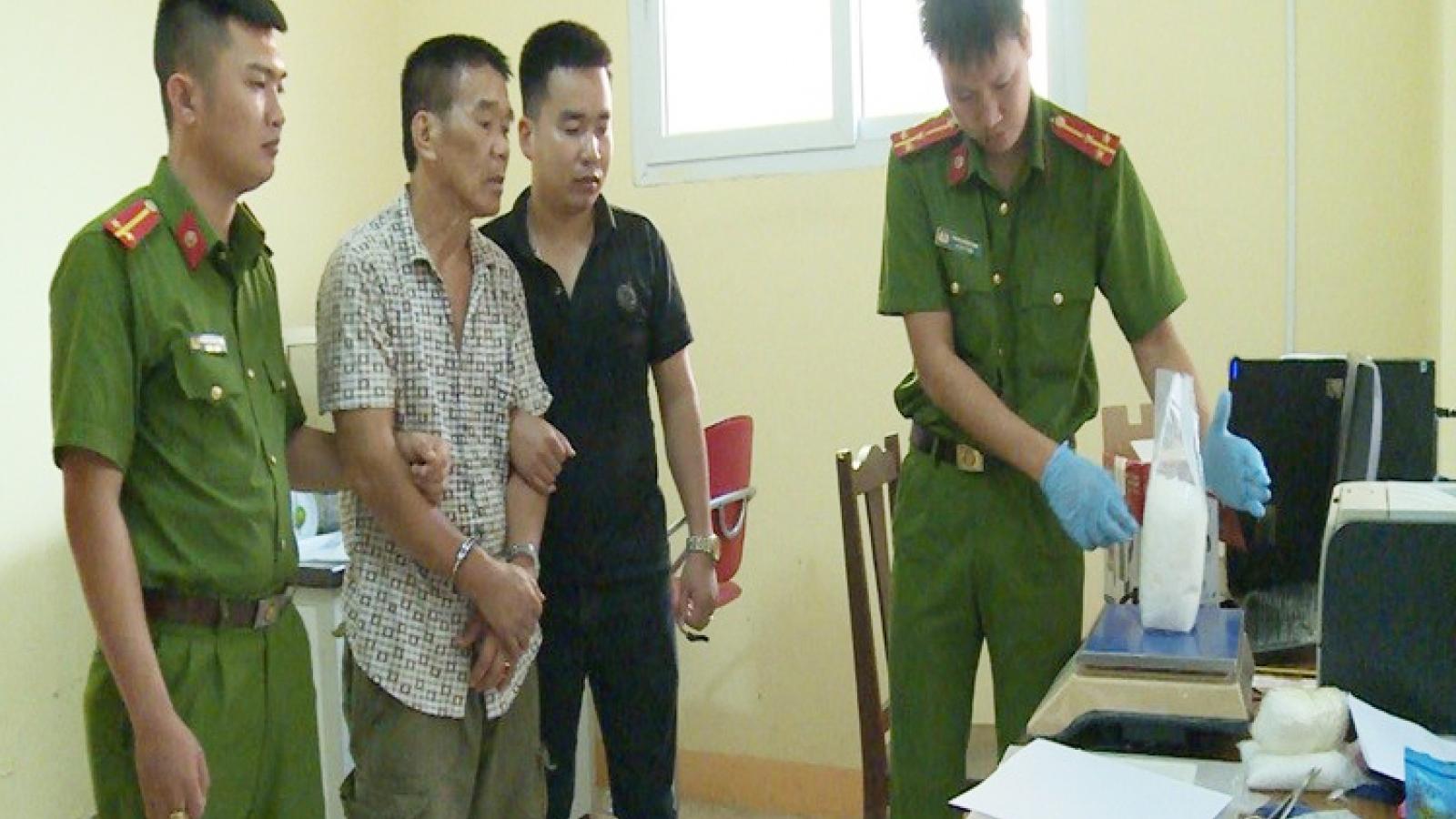 Bắt đối tượng vận chuyển gần 3kg ma tuý tại TP Vĩnh Yên