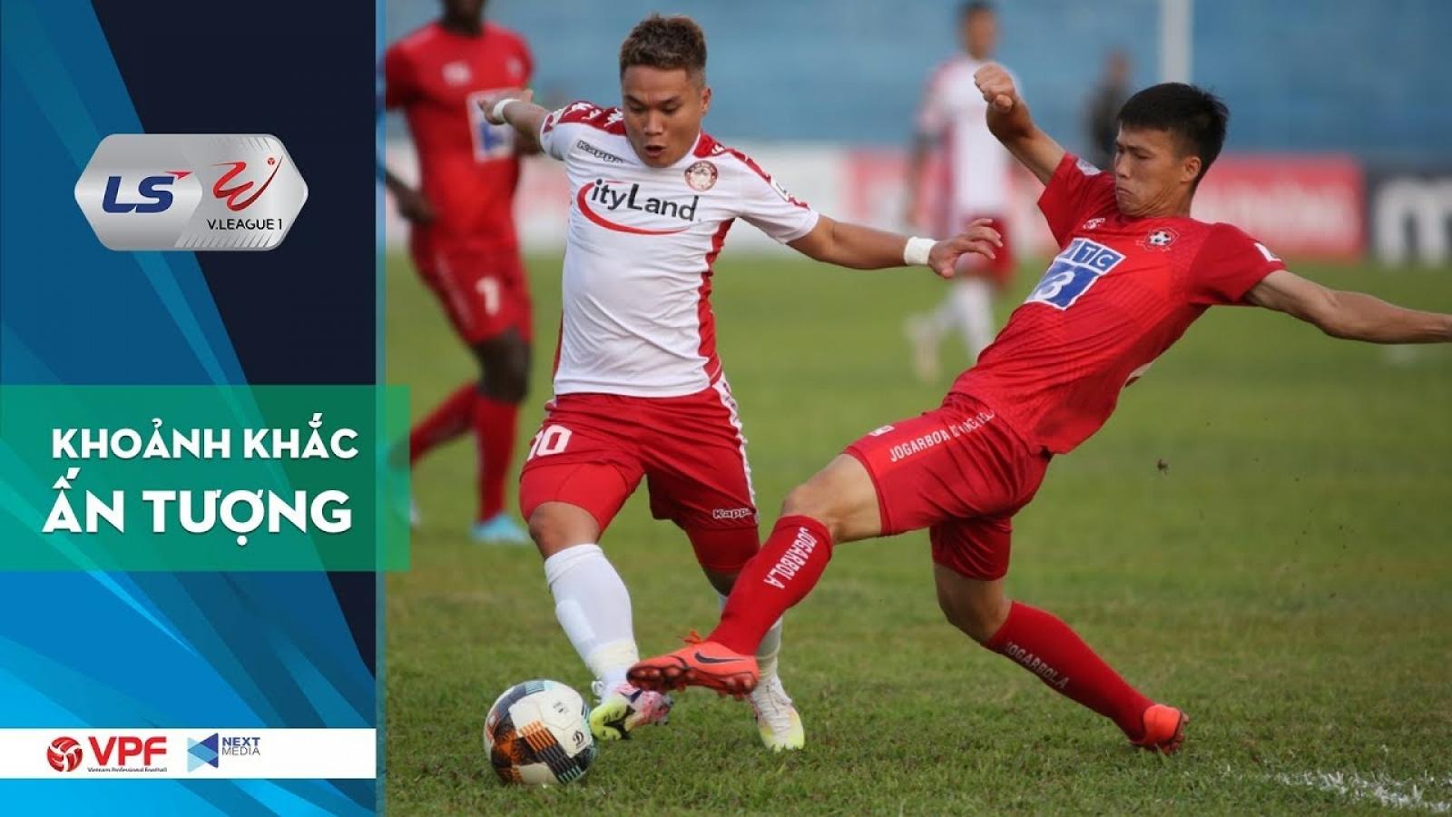 Phi Sơn, Ibou Kebe và những pha bỏ lỡ khó tin ở vòng 3 V-League 2020