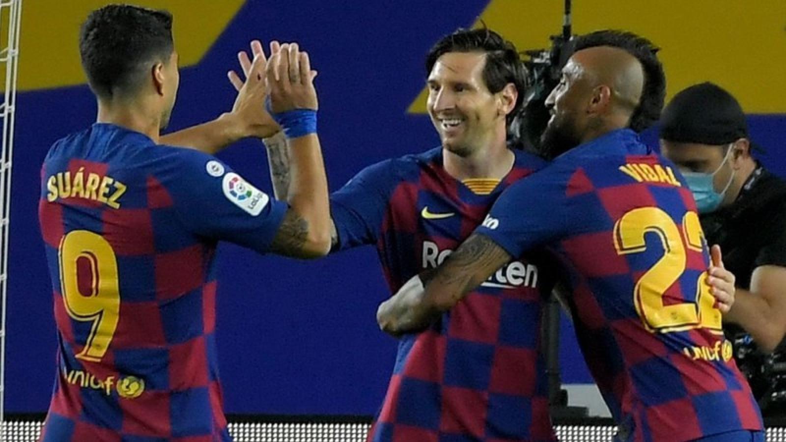 Messi tiếp tục ghi bàn, Barca bỏ cách Real 5 điểm