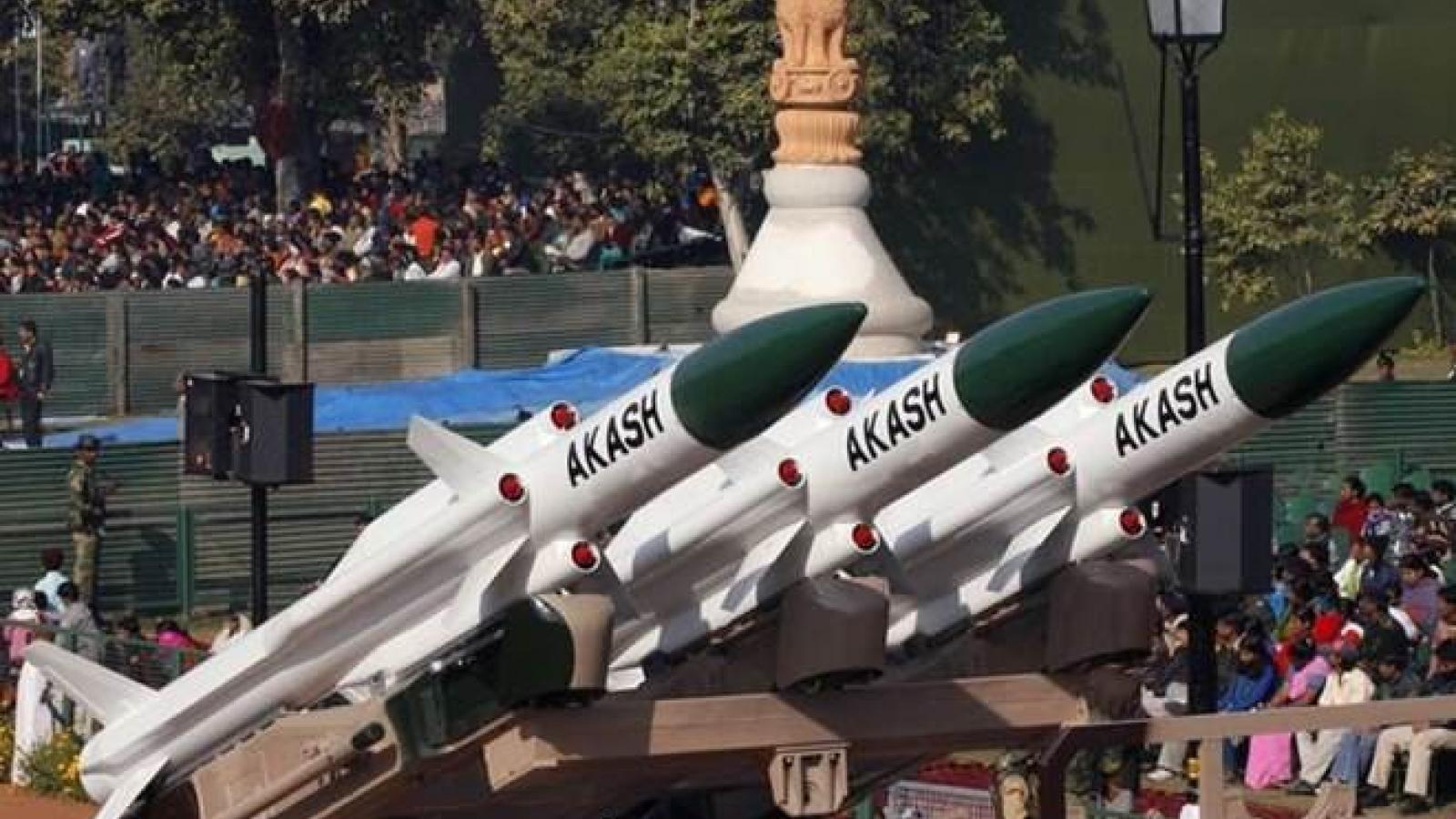 Ấn Độ triển khai tên lửa phòng không tới gần biên giới với Trung Quốc