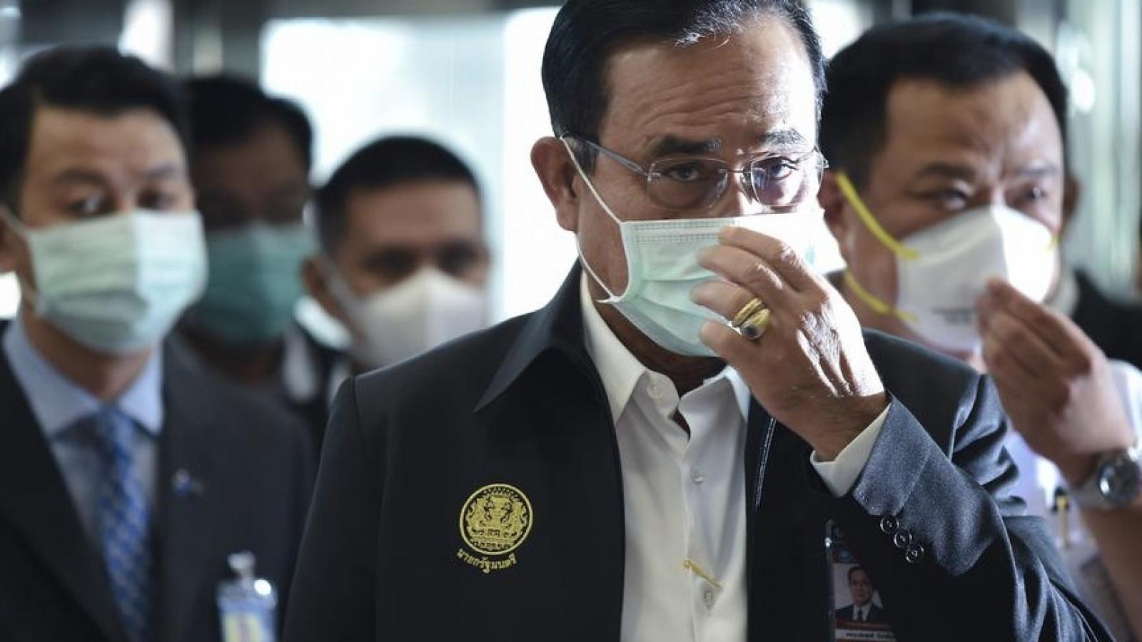 Thủ tướng Thái Lan từ chối dỡ bỏ lệnh tình trạng khẩn cấp