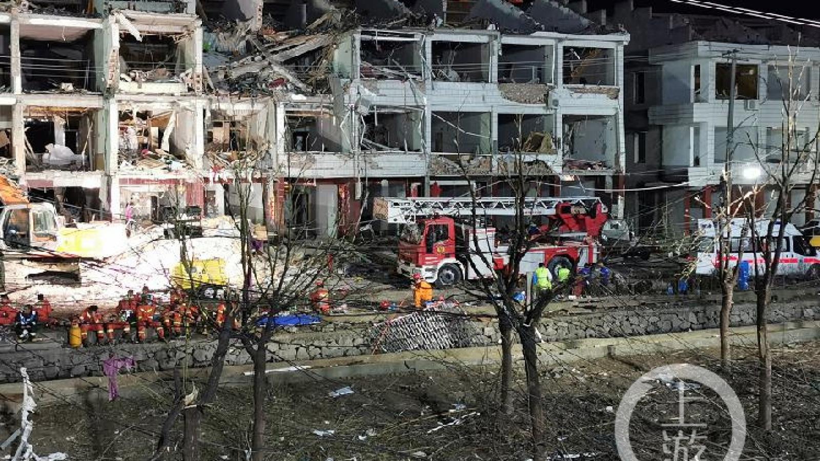 Vụ nổ xe bồn tại Trung Quốc: Đã có 18 người thiệt mạng