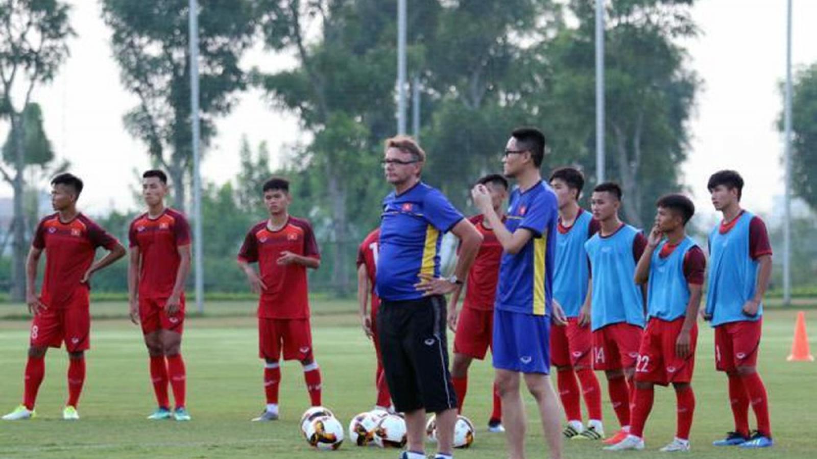 """""""Phù thủy trắng"""" Troussier triệu tập 6 cầu thủ HAGL lên U19 Việt Nam"""