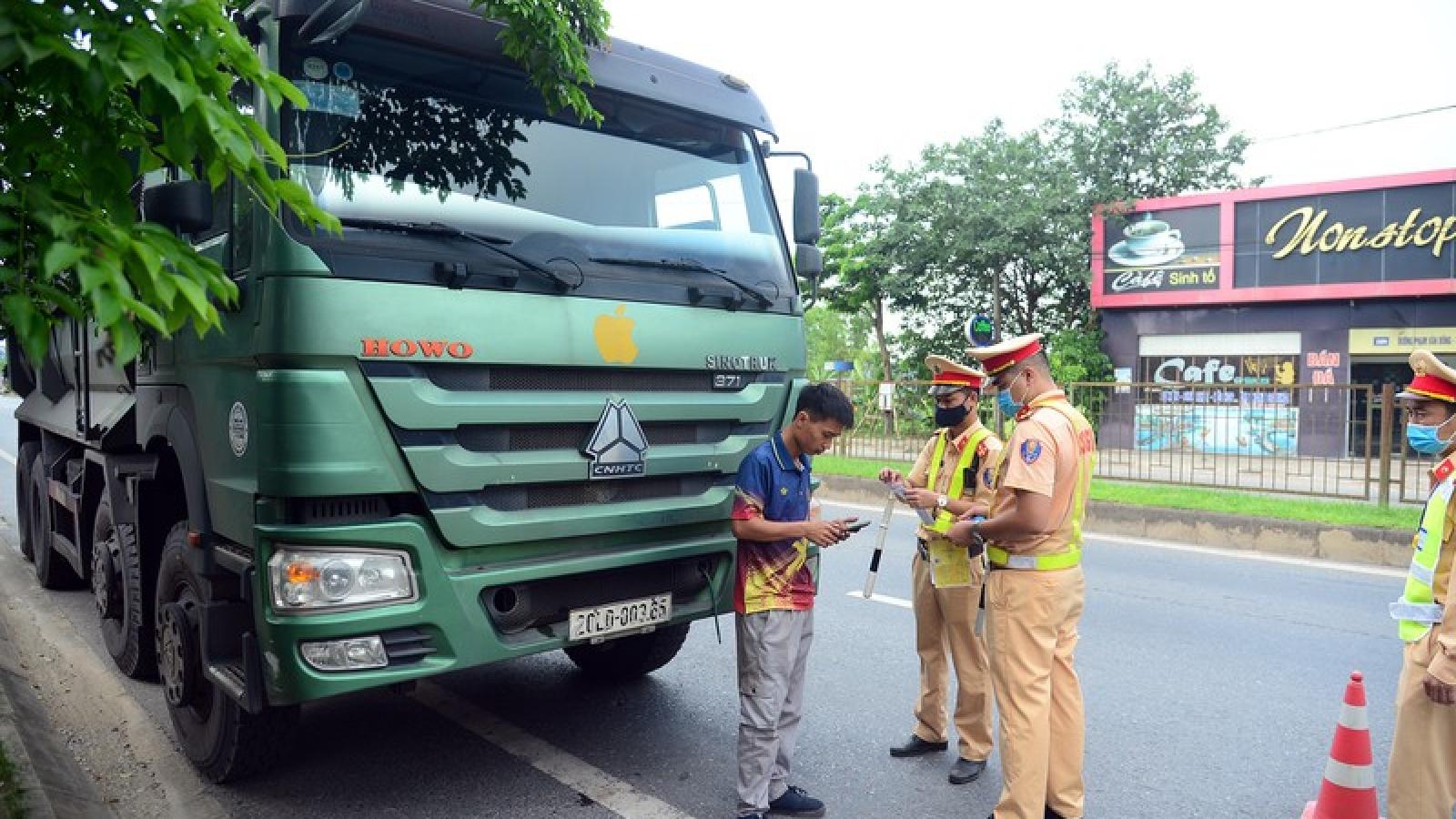 Hàng loạt phương tiện chạy quá tốc độ, cơi nới thùng xe ở Thái Nguyên