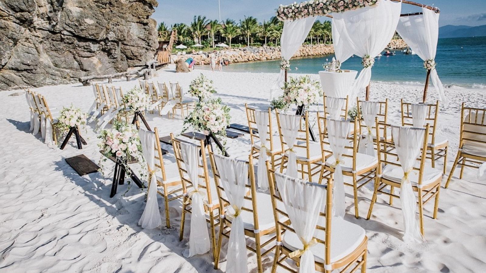 Destination wedding: Những bãi biển nên thơ cho đám cưới trong mơ