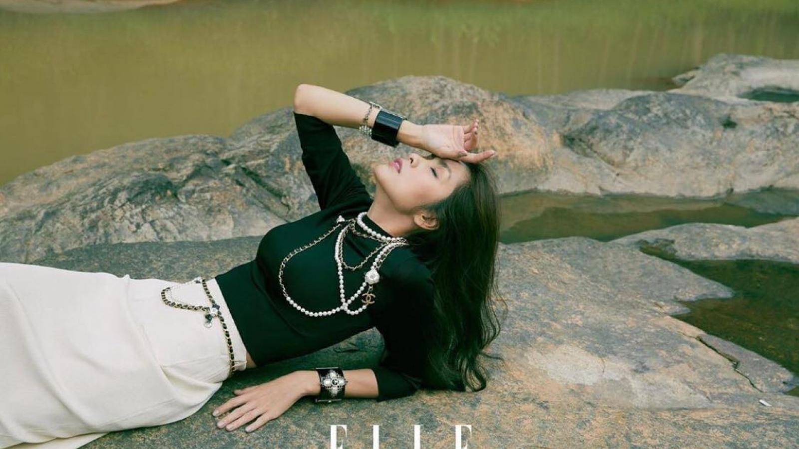 Thần thái sang chảnh của Tăng Thanh Hà trên bìa tạp chí
