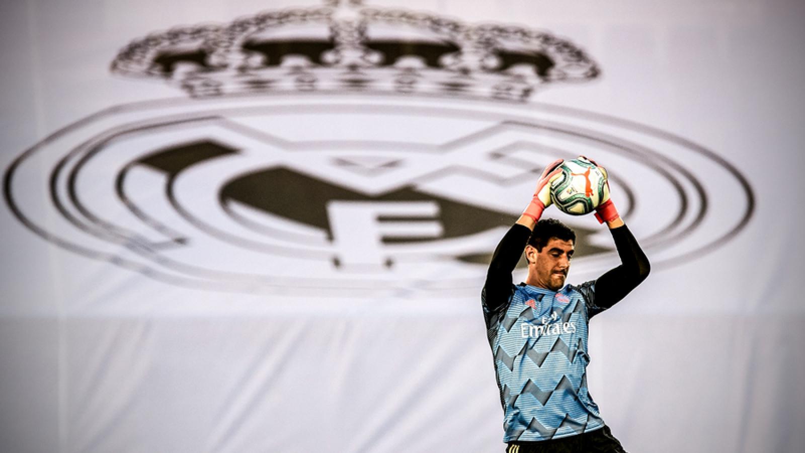 Courtois lập kỷ lục ấn tượng sau trận Real Madrid 2-0 Alaves