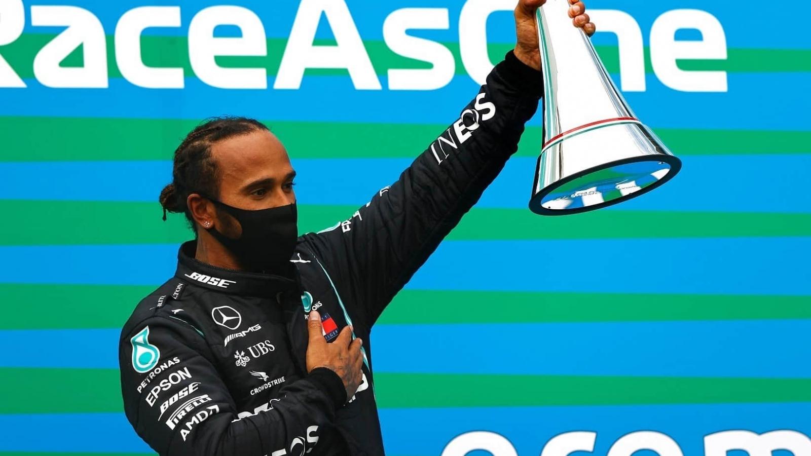 Thắngáp đảo ởF1 Hungarian Grand Prix: Lewis Hamilton thống trị đường đua
