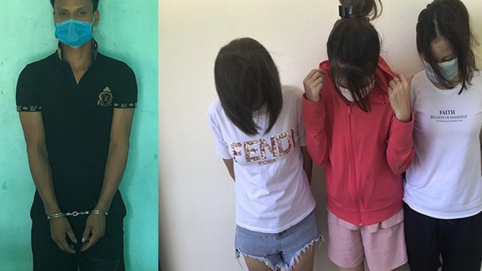 Bắt giữ 3 phụ nữ vượt biên trái phép sang Trung Quốc