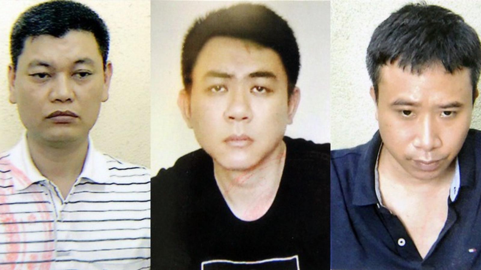 Nóng 24h: Lái xe của Chủ tịch UBND TP Hà Nội và 2 bị can bị khởi tố