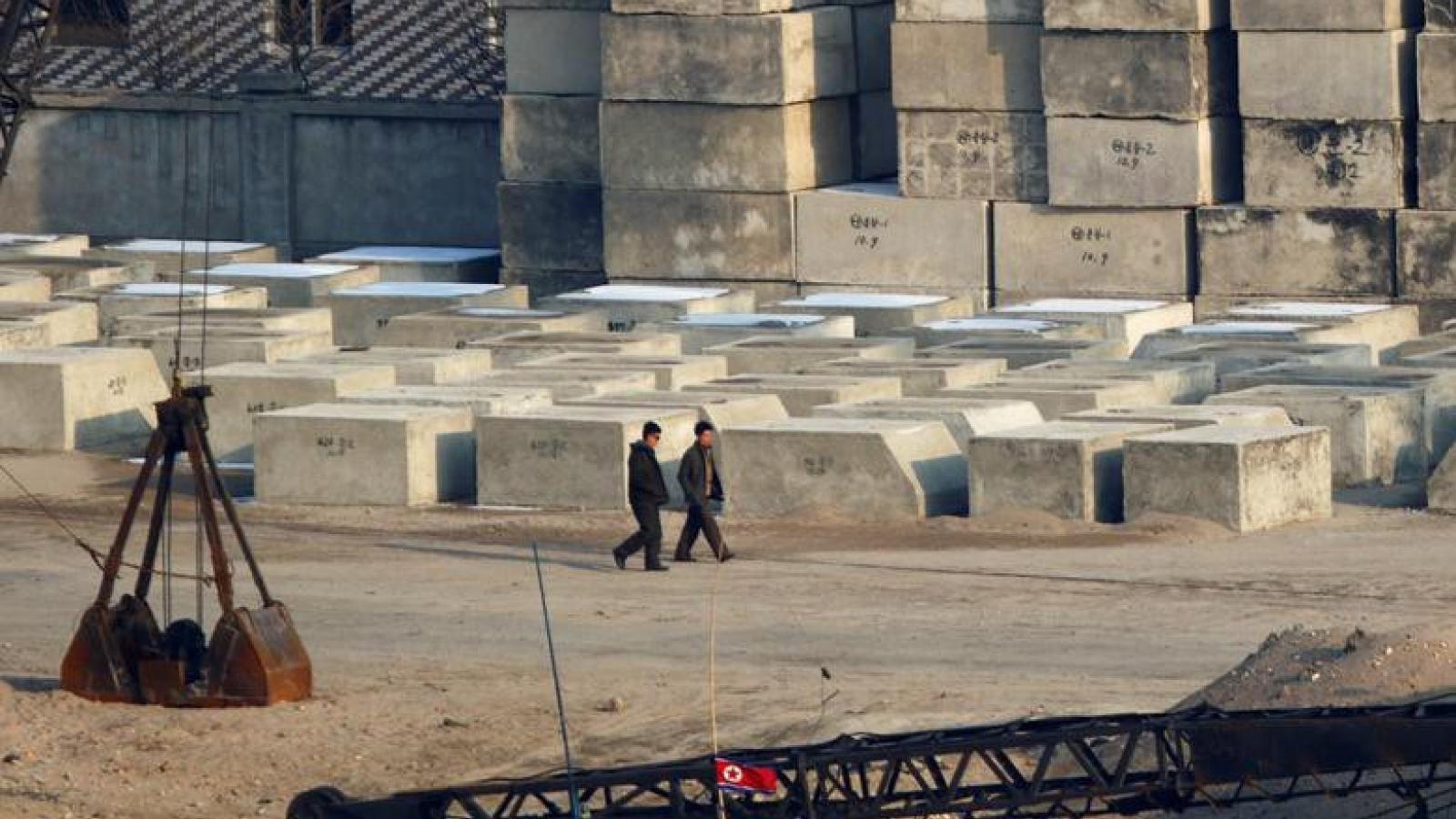Ngăn ngừa Covid-19, Triều Tiên tăng cường kiểm dịch tại các cửa khẩu