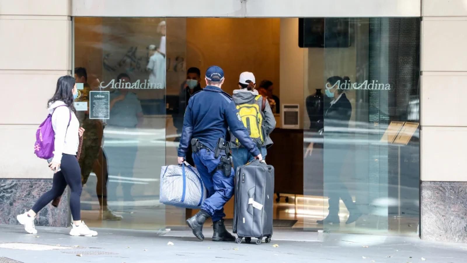 Australia yêu cầu người dân phải trả tiền cách ly trong khách sạn