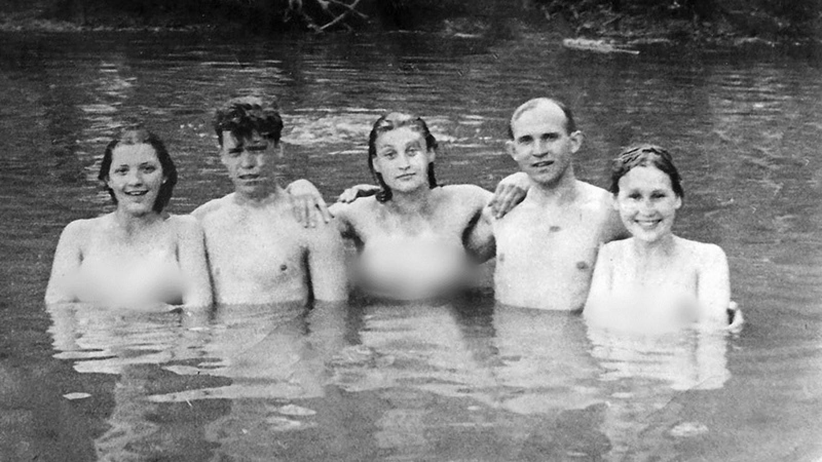 Bất ngờ về phong trào tắm nude hợp pháp ở Liên Xô