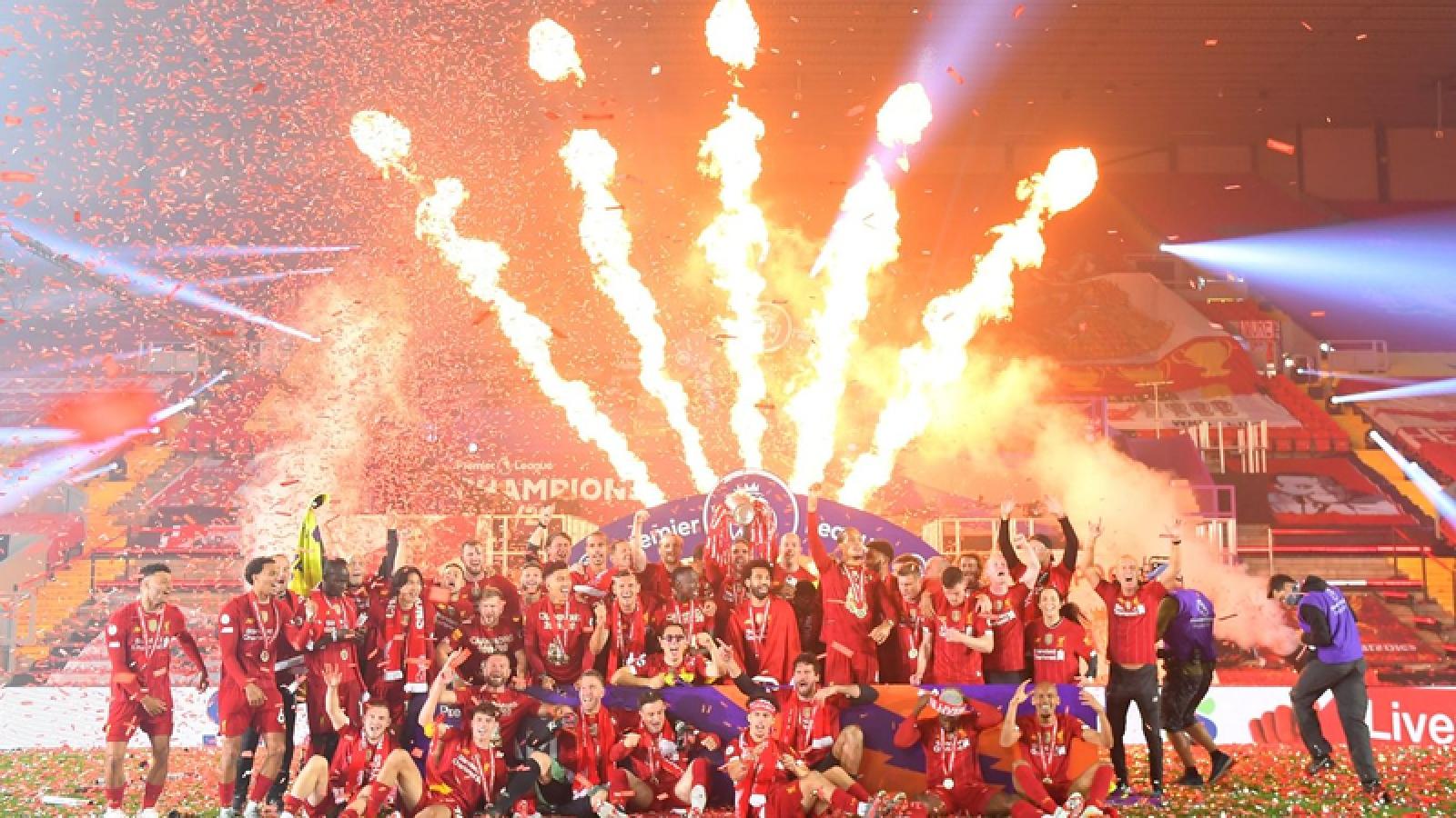 VIDEO: Khoảnh khắc Liverpool nâng cúp vô địch Premier League 19/20