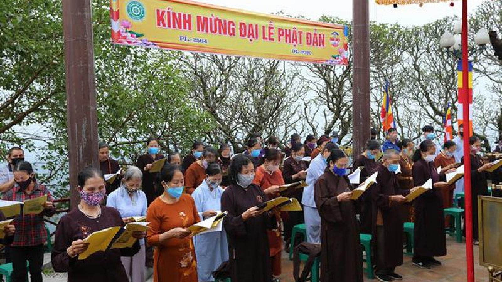 Tạm dừng tổ chức lễ hội, khóa tu... tập trung đông người ở các chùa