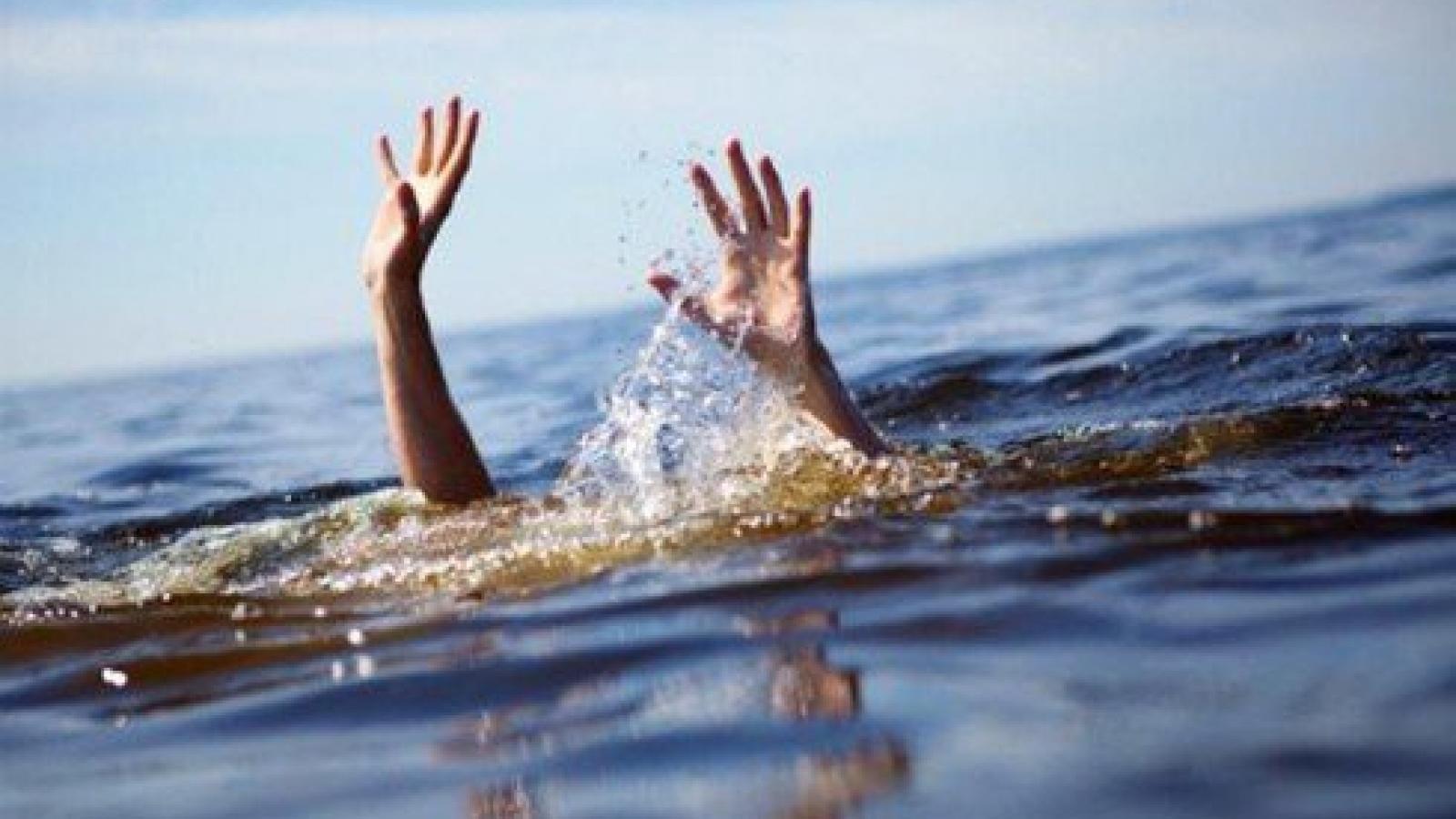 Một buổi chiều, 3 cháu nhỏ tử vong thương tâm vì đuối nước