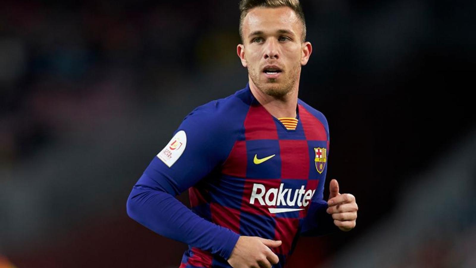 Arthur nổi loạn ở Barca, từ chối đá Champions League