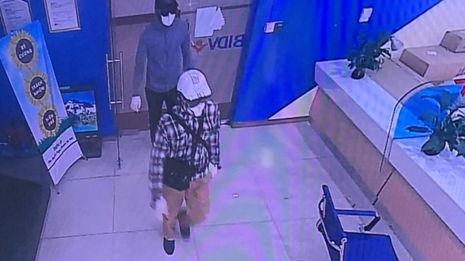 Kẻ cướp ngân hàng ở Hà Nội dùng súng colt xoay