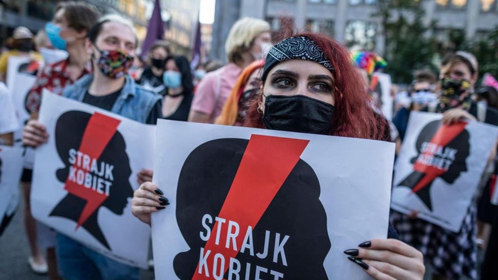 Biểu tình phản đối kế hoạch Ba Lan rút khỏi công ước Istanbul