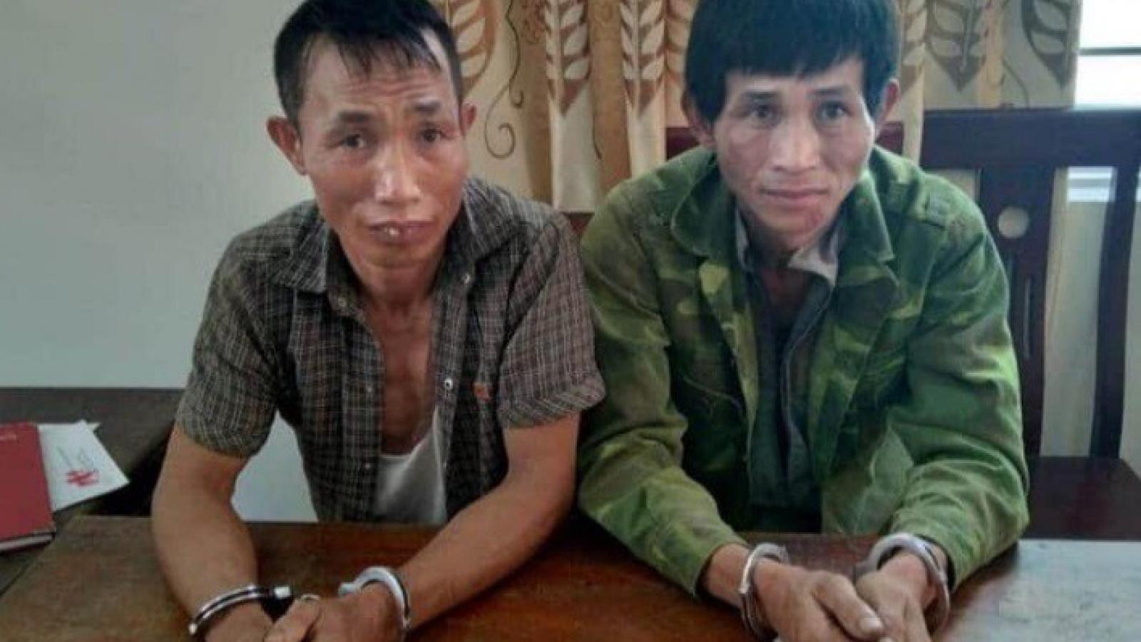 Hai đối tượng buôn ma túy dùng dao nhọn điên cuồng chống trả công an