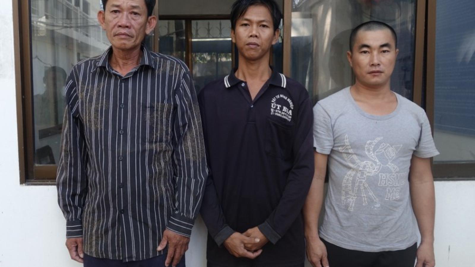 Khởi tố, tạm giam 3 đối tượng tổ chức cho người vượt biên sang Campuchia
