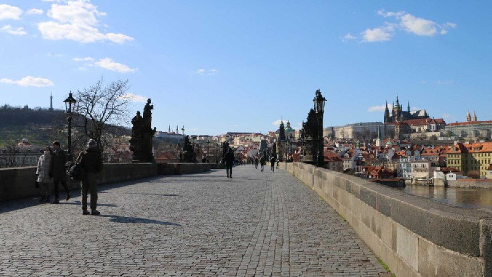Thủ đô Praha (Séc) ghi nhận kỷ lục số ca nhiễm Covid-19 trong 24h qua