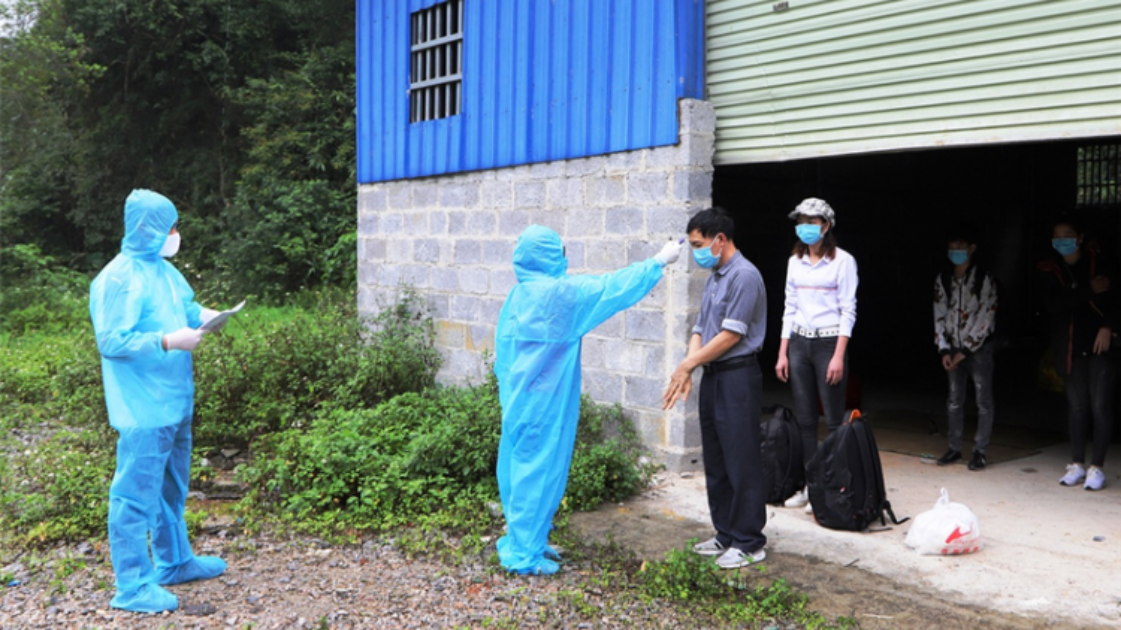 Cao Bằng theo dõi sức khỏe hơn 360 người từ Đà Nẵng về