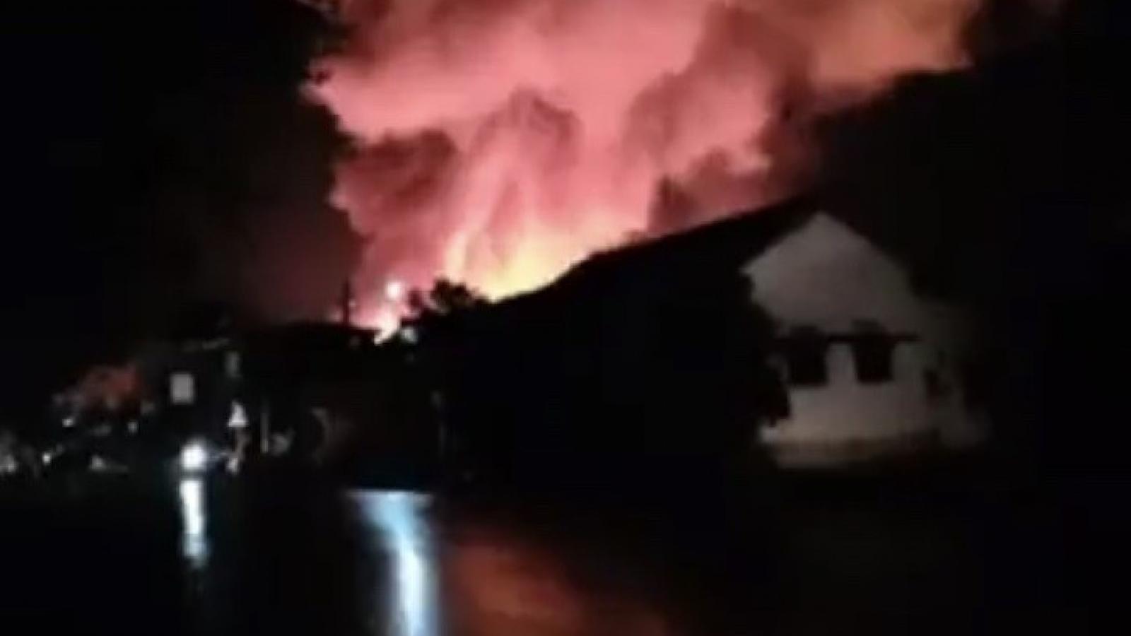 Cháy chợ biên giới Việt - Lào tại tỉnh Savanakhet gây thiệt hại nặng