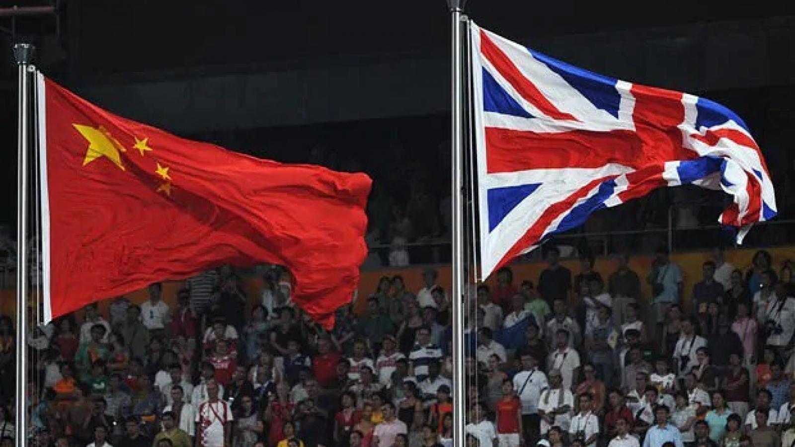 Trung Quốc cảnh báo Anh sẽ chịu hậu quả sau khi dừng Hiệp ước dẫn độ