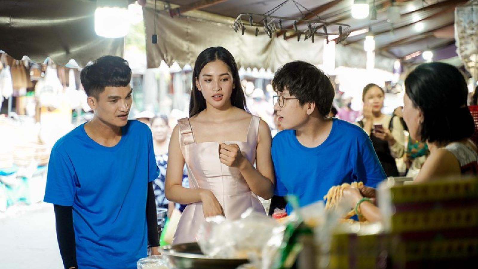 """Hoa hậu Tiểu Vy chứng tỏ độ """"sành ăn"""" khiến Mạc Văn Khoa phải """"tròn mắt"""""""
