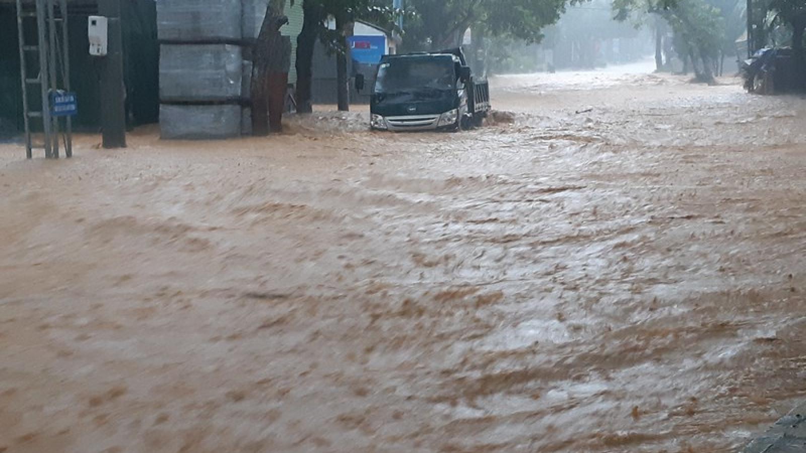 Thủ tướng yêu cầu khắc phục hậu quả mưa lũ ở Hà Giang