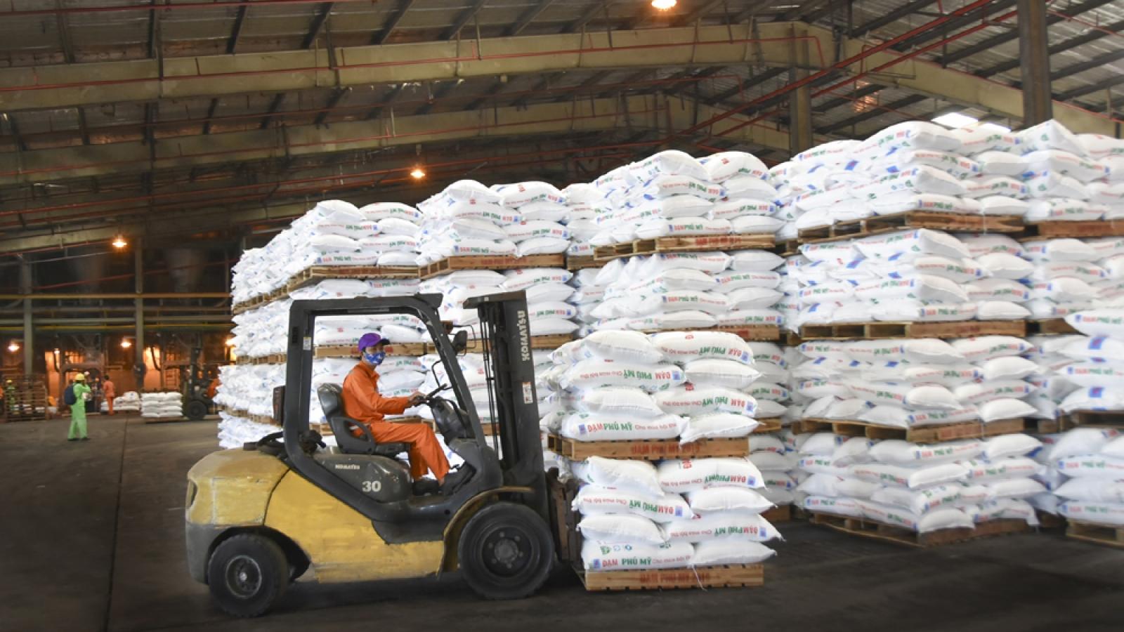 Sản xuất kinh doanh phân bón và hoá chất tăng mạnh