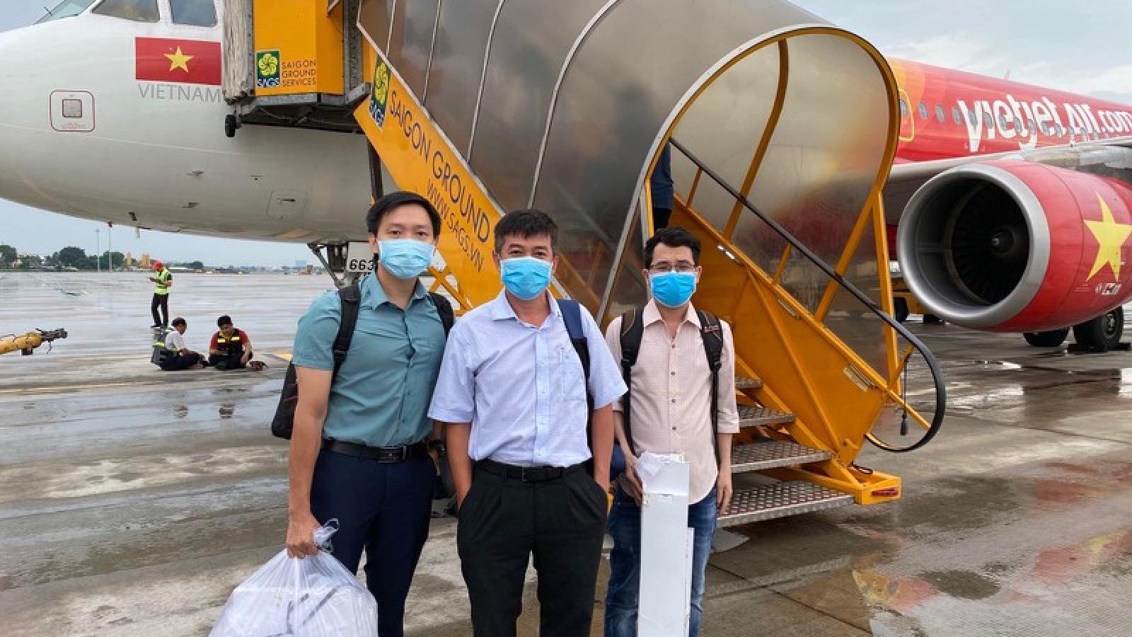 Bệnh viện Chợ Rẫy cử ê-kíp phản ứng nhanh chống Covid-19 ra Đà Nẵng