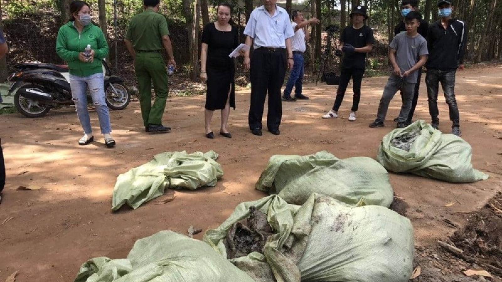 Một doanh nghiệp ở Đồng Nai đổ trộm chất thải nguy hại ra môi trường